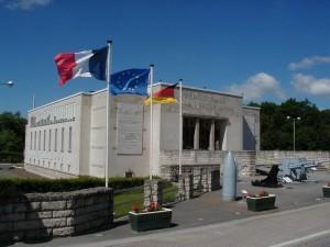 vue entrée du Mémorial de Verdun. balade historique, www.balades-historiques.com