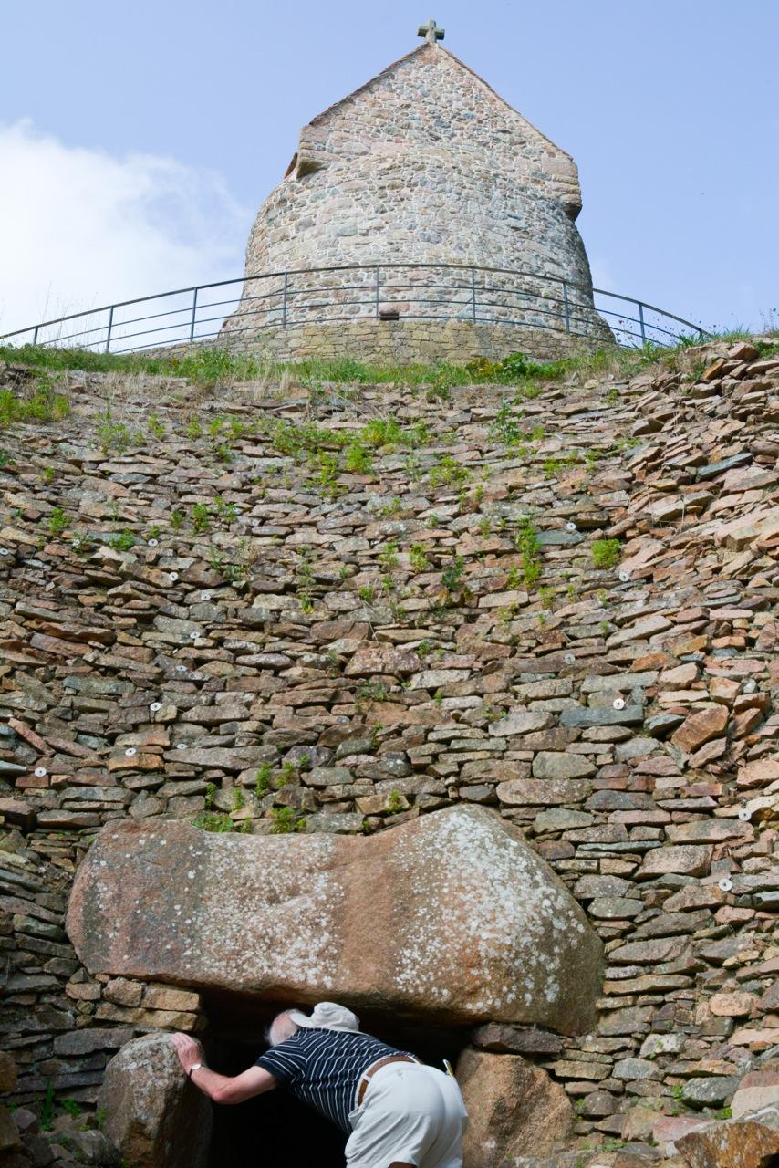 Jersey, Hougue Bie, Eric Beracassat, tombeau à couloir, néolithique, balade historique, www.balades-historiques.com