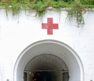 Jersey war tunnels entrée, eric beracassat, balade historique, www.balades-historiques.con