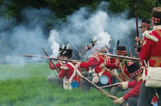 troupes britanniques, guerre napoleonienne, fusillade, napoleon, waterloo, bicentenaire de Waterloo, balade historique, www.balades-historiques.com, reconstitueurs