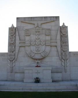 stèle cimetière militaire portugais, premiere guerre mondiale, christophe courau, balade historique, www.balades-historiques.com