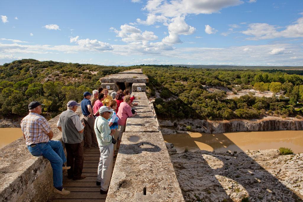 Pont du Gard, extérieur promenade sur le pont du gard, balade historique, www.balades-historiques.com