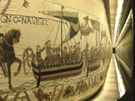 tapisserie de Bayeux, Drakkars, dragon, Bayeux, Guyillaume le Conquérant, balade historique, www.balades-historiques.com