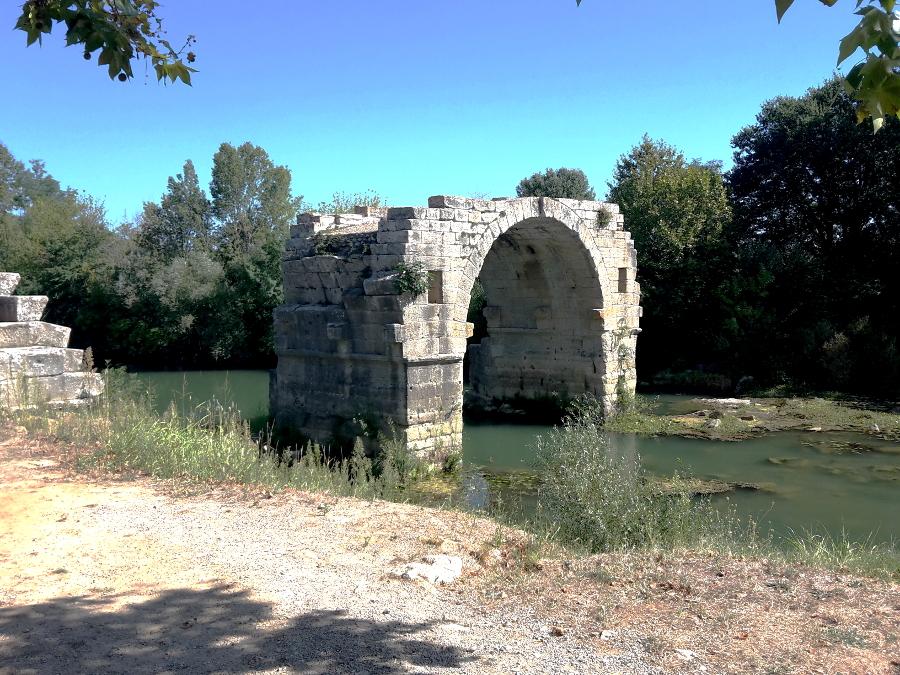 Ambrussum, pont romain, pont Ambroix, Via Domitienne, balade historique, www.balades-historiques.com