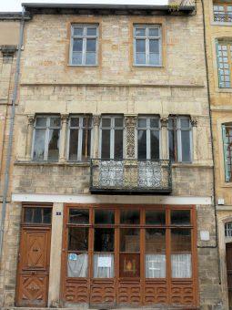 facade Maison des Dragons, Cluny, moyen-âge, balade historique